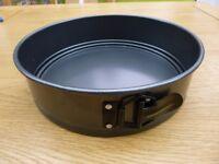 10 inch/25 cm loose based springform cake tin