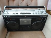 HITACHI PORTABLE RADIO STEREO CASSETTE RECORDER VINTAGE BIG