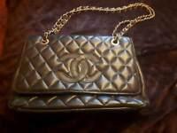 Handbag bag superb . Designer style .