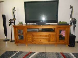 Lovely Solid Timber TV and Entertainment Unit Highfields Toowoomba Surrounds Preview