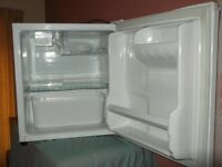LG Table top / Bar Fridge with mini freezer/ Ice Box Maker [superb condition & ultra quite]. £60.00