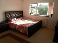 Student Accommodation 5 minutes from Warwick University. Whats App: 0044 7443235000