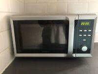 GOOD CONDITION MICROWAVE OVEN
