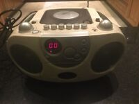 Portable CD, cassette and radio player (Great Condition)