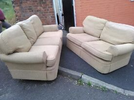 2and3 seater sofa in new condition
