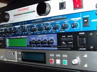 Yamaha REV-500 Reverb / Effects Unit - With FREE Yamaha RY8 Drum Machine + Headphones & Cables