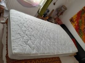 Mattress, hardly used, excellent condition