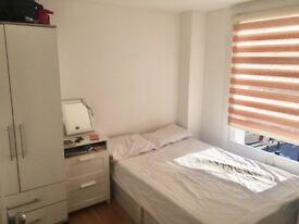 Single Room in a refurbished flat - 5 mins walk to Dalston Kingsland Station