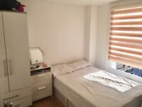 Single Room in a refurbished flat - 5 mins walk to Dalston Kingsland Station