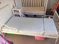 Toddler bed, extends to single