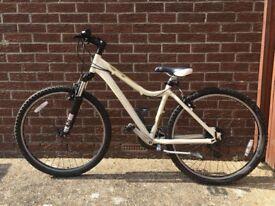 """Giant Rincon 26"""" Women's Mountain Bike, Small"""
