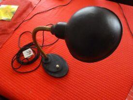 DESK LAMP-RETRO DESIGN