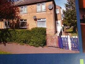 BEAUTIFUL (UNFURNISHED) 2 BEDROOM FLAT WITH LARGE GARDEN