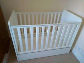 Drop side white wooden cot Mothercare