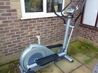 Bremshey Orbit Pacer-----fully electronic exersize machine in excellent condition