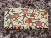 Owl purse, in wipeable material with zip. Excellent condition with compartments. £4