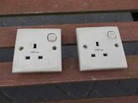 2x 240 electric sockets for caravan motorhome (cream)