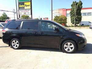 2014 Toyota Sienna LE/MASSIVE CLEAROUT!/PRICED FOR AN IMMEDIATE  Kitchener / Waterloo Kitchener Area image 9