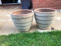 Ceramic medium garden pots. Beige.