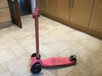 Pink Maxi Micro Scooter
