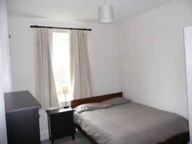 Everything you need at your doorstep - 2 double bedroom flat in Clapham !!!