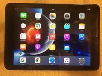 iPad AIR 16GB - VODAFONE 4G - LIKE NEW SPACE GREY, no scratches, dents etc. Tempered glass and case