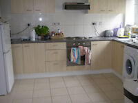 019P- HOLLAND PARK- DOUBLE BEDROOM, FULLY FURNISHED, ALL BILLS INCLUDED, MUST SEE - £150 WEEK