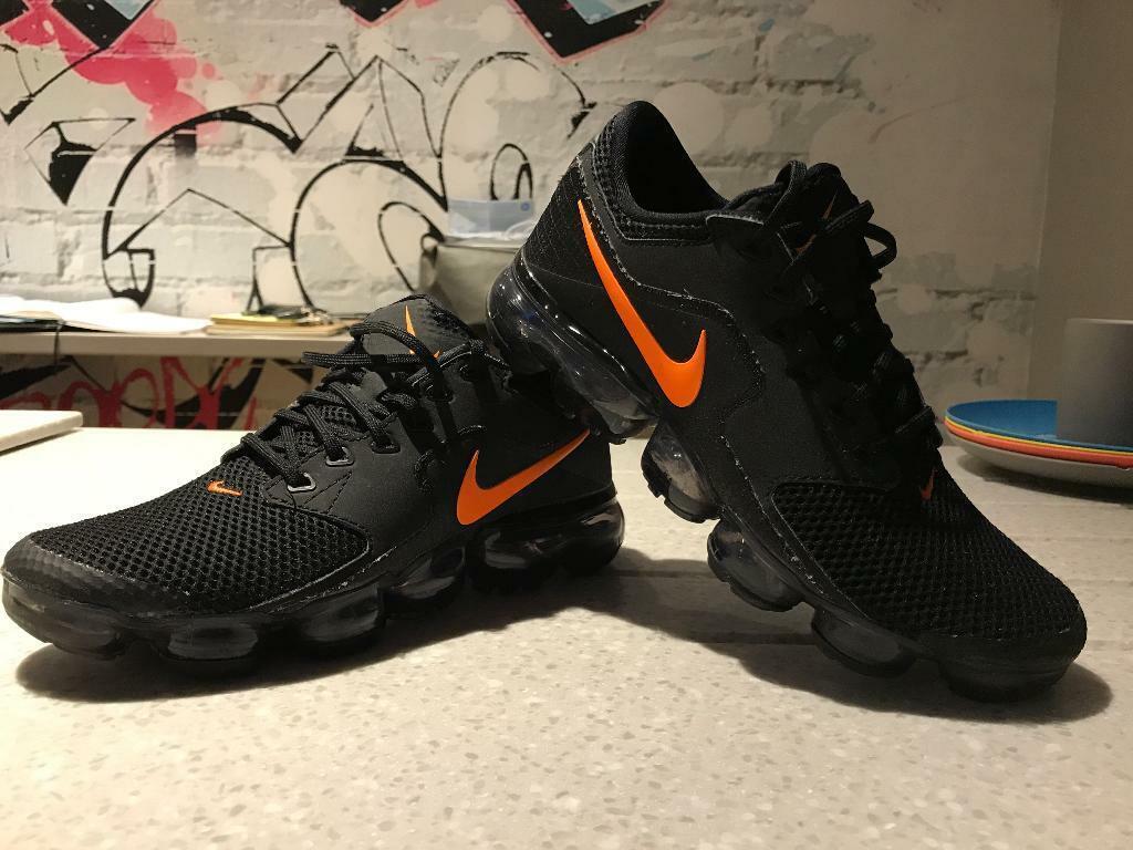 11394eeec4ec Junior boys Nike air vapormax £40 size 5.5