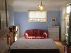Large Double Room in Newbury - Monday to Friday - £450 pcm