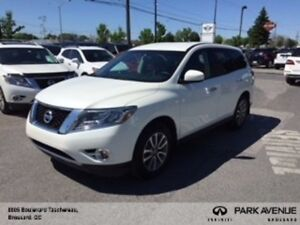 2016 Nissan Pathfinder **AWD** 7 PASSAGER MAGS