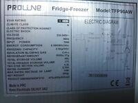 Fridge freezer very good condition for SALE