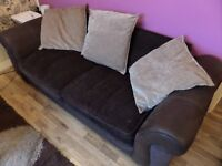 2 SEATS SOFA WITH 3 PILLOWS - GOOD CONDITION !!!