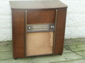 Vintage 1950's Radiogram and Turntable with Flip top