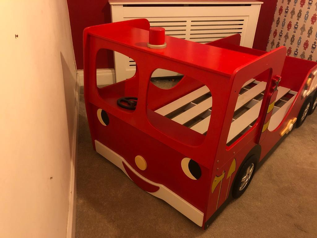 Children's single fire engine bed