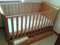 BABIES R US 3 IN 1 ASPEN COTBED/SOFA BED/TODDLER BED WITHOUT MATTRESS....BARGAIN
