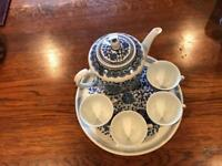 Tea Set - 4 cups, Tea Pot and serving tray - immaculate