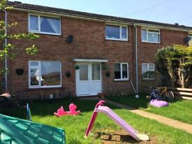 LET AGREED - No enquiries ATM please. 3-Double Bed, Grantham.Canal Views,Front & Back Garden,Garage