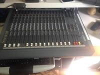 SoundCraft Spirit Live 16 mixer.