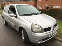 Renault Clio Extreme 16V 1149cc Petrol 5 speed manual 3 door hatchback 05 Plate 28/03/2005 Silver
