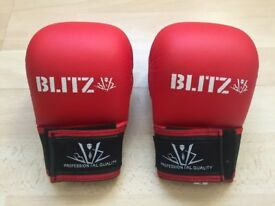 BLITZ Martial arts Kids gloves, size S, worn for 5 mins, Ex Cond. Age 5-8 yrs, £10 ono