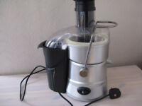 WHOLE FRUIT JUICER TWO SPEEDS