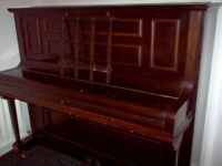 UPRIGHT SAMES PIANO