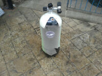 18 Ltr DIVING CYLINDER WITH TWIN VALVES. tesed till may 2018 pick up only sheffield area