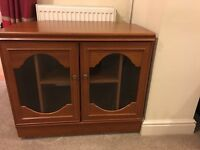 Immaculate Elegant TV Stand Cupboard & Beautiful Table