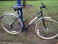 Lovely Vintage Peugeot First Rider 1000 Ladies Hybrid bike.6 gears,Mudguards,700c alloy wheels, VGC