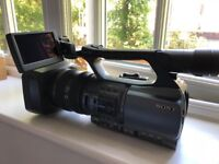 Sony DCR-VX2200E MiniDV Digital PAL Camcorder - USED ONCE ONLY!!!