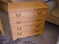 Pine Effect Chest of 4 Drawers