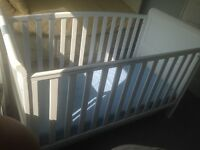 Babys R us Tuscany cot bed 3 in 1 and pocketed trio continental Spring mattress Never used
