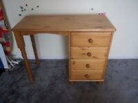 Solid pine wood dressing table