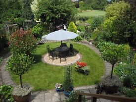 Single room in furnished house share 10 minutes from Guildford Town Centre. Lovely quiet location
